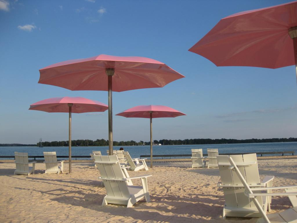 Sugar Beach, Toronto. Copyright Cherie DeLory